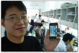 O que o vietnamita Tuan Anh Do (de 29 anos) descobriu foi uma forma de fazer o unlock do aparelho pelo seu próprio hardware e, posteriormente, ... - 29-iphone_vietna01