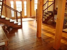 Màu sắc sàn gỗ Căm xe nhẹ nhàng trung tính