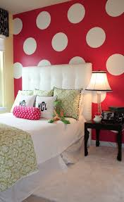 bedroom red wall white