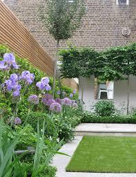 ideas about Small Garden Design on Pinterest   Small Gardens       ideas about Small Garden Design on Pinterest   Small Gardens  Garden design and Gardening