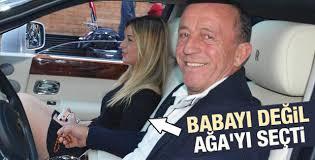 Ali Ağaoğlu sevgilisiyle Bebek'te tur attı