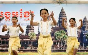 Long Beach rings in the Cambodian New Year - The Cambodia Daily