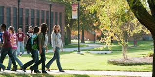 6 things to think about when choosing a college her campus 2 the school