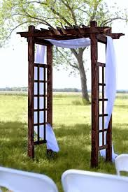 Decorating A Trellis For A Wedding Wood Trellis Tents And Events Wisconsin