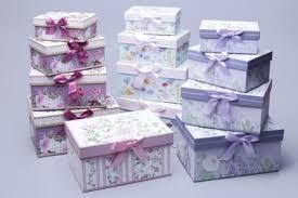 <b>Коробки подарочные</b> в наборах