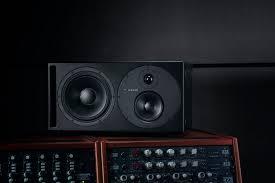 <b>Dynaudio</b> Core 59 – трёхполосные <b>студийные мониторы</b> с DSP ...