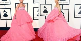 The 12 Best Memes of Rihanna's Grammy Dress | Fuzion Magazine via Relatably.com