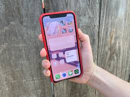 iOS 14 drives aesthetic iPhone home screen trend