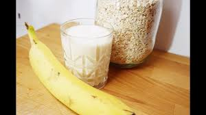 HOW TO MAKE: A Protein Shake with <b>Oats</b>, Banana, Milk, <b>Whey</b> ...
