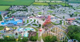 Glamping near <b>Flamingo Land</b> - the top sites by the theme park