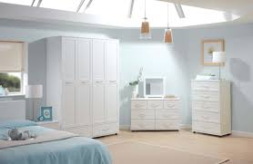 white bedroom furniture lacquered wood
