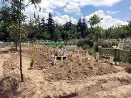 Parası ödenmeyince mezarları kaldırttı