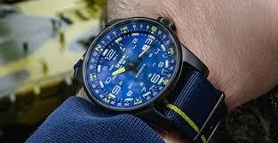 <b>Мужские стальные часы</b>: правила выбора, ухода и хранения