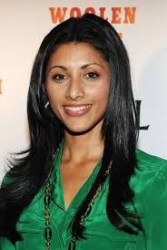 Reshma Shetty wore her hair in a center-parted layered style for the 'Howl' screening. - Reshma%2BShetty%2BLong%2BHairstyles%2BLayered%2BCut%2BgCA5ZRkC8ahl