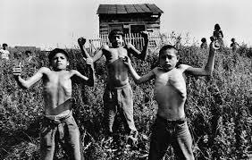powerful documentary photo essays from the masters   clickscom gypsies by josef koudelka