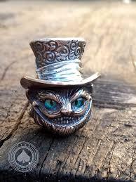 <b>Бусина</b>»Чешир»выполнена из бронзы с серебряным элементом ...