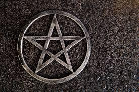 20 Magical Pagan and <b>Wiccan Symbols</b>