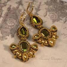 <b>Золотые серьги с зелеными</b> кристаллами Сваровски из бисера ...