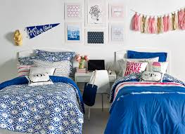 college bedroom decor dorm room wall decor ideas makipera