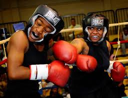 <b>Боксёрский шлем</b> — Википедия