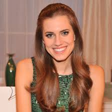 Allison Williams is juggling her role on Girls, being spokesperson for Simple Skincare, and hitting up award shows like the Golden Globes and Grammys, ... - Allison-Williams-Interview-Video