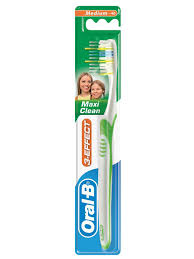 <b>Oral B</b> 3_Effect Maxi Clean 40 средняя | Хозяйка