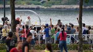 Image result for papa francisco y los jovenes cubanos