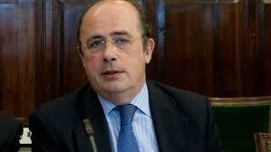 En declaraciones a Europa Press, Gil Lázaro, que durante meses interrogó a Rubalcaba en el Pleno del Congreso sobre este asunto, ha avisado al máximo ... - Gil-Lazaro-PP-Rubalcaba-comentario_EDIIMA20131016_0747_4