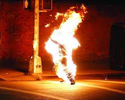 Filler históry - Acontecimentos no inferno - Página 2 Images?q=tbn:ANd9GcSSzWEoUGBKD89l9DK5VoIxuABpRd7mNsYxPzmCSfs4dx_dwOfUkg