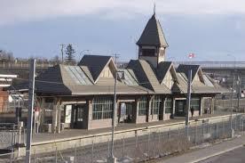 Fish Creek–Lacombe station