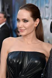 Actress Angelina Jolie attends the World Premiere of Disney's 'Maleficent' at the El Capitan Theatre on May 28, 2014 in Hollywood, California. - Angelina%2BJolie%2BLong%2BHairstyles%2BPonytail%2BMCijiwjLJDTl