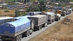 Dos robustos camioneros quedaron abotonados