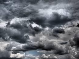 Resultado de imagem para ceu cinza cheio de nuvens