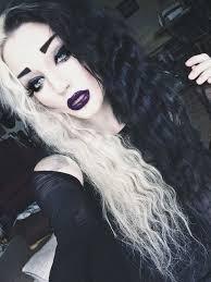 woah her hair looks awesome sorta like cruella devil i don awesome black white