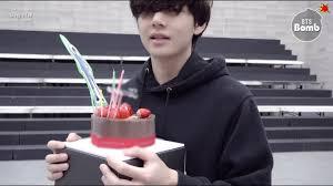 [BANGTAN BOMB] V's Surprise <b>Birthday Party</b> - BTS (방탄소년단 ...