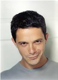 What is the height of Alejandro Sanz?