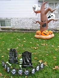 ideas outdoor halloween pinterest decorations:  cool outdoor halloween decorating ideas digsdigs