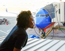 opinion nine reasons why southwest airlines is the best a fun luving flight attendant celebrates her 12 year anniversary southwest