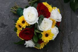 Red and <b>White Rose</b>, <b>Yellow Sunflower</b> Bouquet   Marrying ... in ...