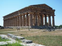 introduction to greek architecture   a beginner    s guide to ancient      b c e       x     m  greek  doric temple from the classical period likely dedicated to hera  paestum  latin  previously poseidonia  photo  steven