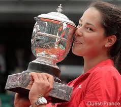 Tennis, ana ivanovic, trophée, roland garros 2008. ana ivanovic, trophée, roland garros 2008. 5195 vues. Réactions. No message for now. , share: A Comment - Roland_Garros_2008_Ana_Ivanovic_389