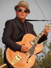 <b>Elvis Costello</b> - Wikipedia