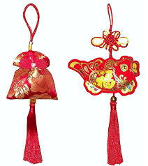 <b>Chinese lucky</b> charms - <b>Red</b> and gold <b>lucky Chinese</b> knots - Large ...