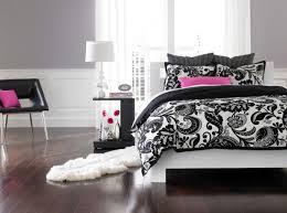 1000 images about bedroom on pinterest chicago blackhawks teen bedroom and nhl chicago bedroom awesome black white bedrooms black
