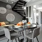 Modernin harmaassa ravintolat tuolit