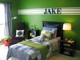 green bedroom wall paint enchanting  ideas about green bedrooms on pinterest green bedroom walls green bed
