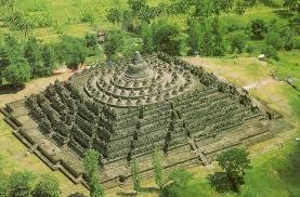 stupa candi borobudur indonesia