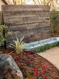 diy patio pond: pallets could also be used to build a beatuiful water feature