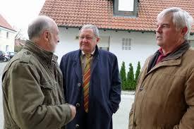Fach-Gespräche unter Bekannten, v. links:Josef Bobinger, Karl ... - 2947814_web