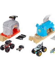 Игровой набор <b>Hot Wheels</b> GKY01 <b>Монстр</b>-<b>Трак</b> Пусковой гараж в ...